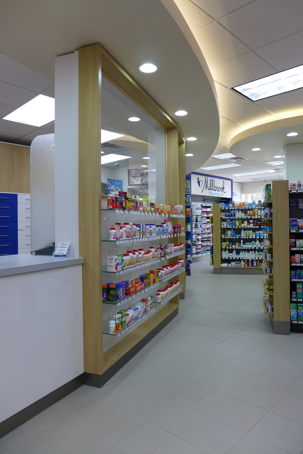Counter, Millbrook Pharmacy, Apotheke bei AT Design Team