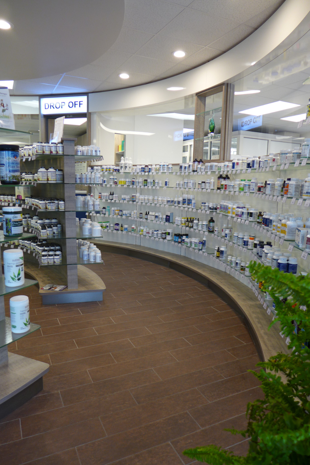 Curved Front to lab, Custom Rx Pharmacy, Apotheke bei AT Design Team