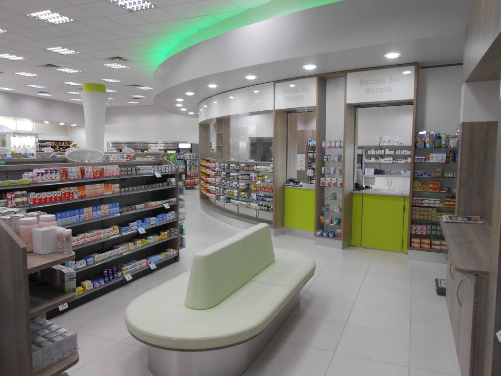 Curved Rx Front and Waiting, Pharmacia Las Colinas, Apotheke bei AT Design Team