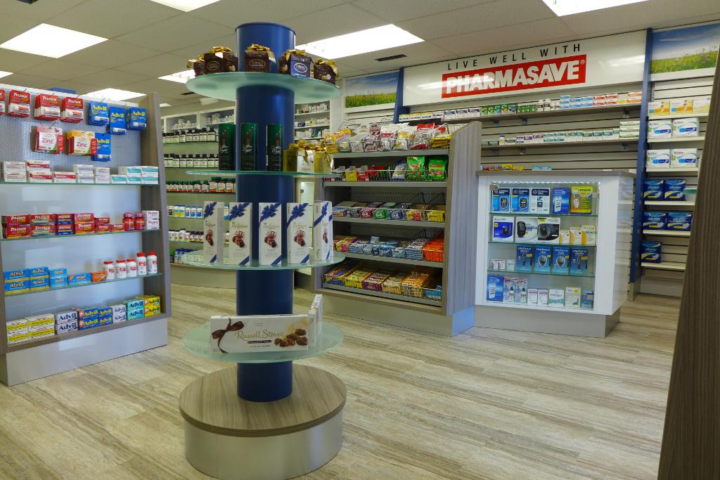 Gondel vor Counter, Pharmasave Pharmacy, Apotheke bei AT Design Team