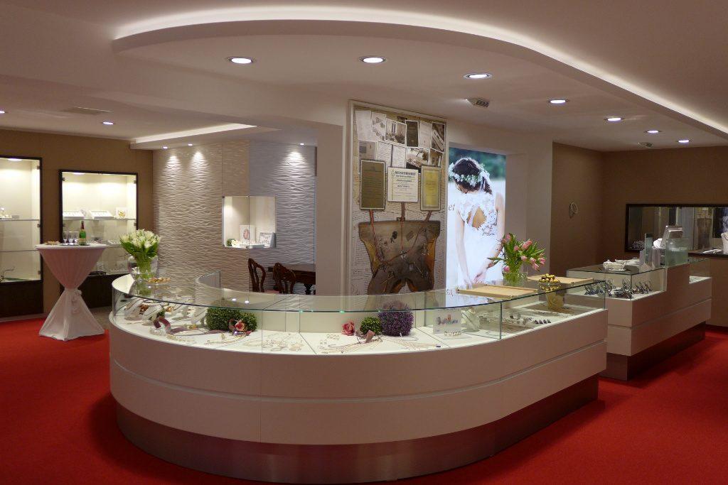 Juweliertheke, Juwelier Nüsse, Firma AT Design Team