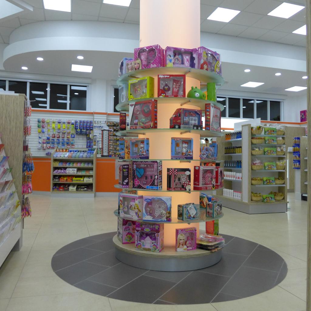LED light column, Pharmacia MiSueno, Apotheke bei AT Design Team