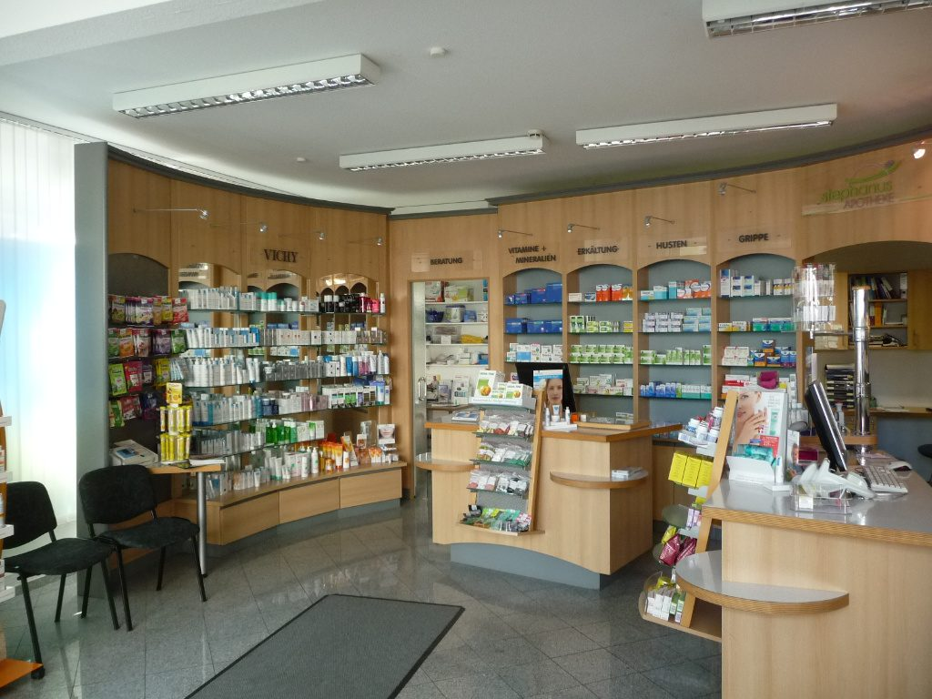 Offizin vorher, Apotheke Westfalen, Pharmacy by AT Design Team