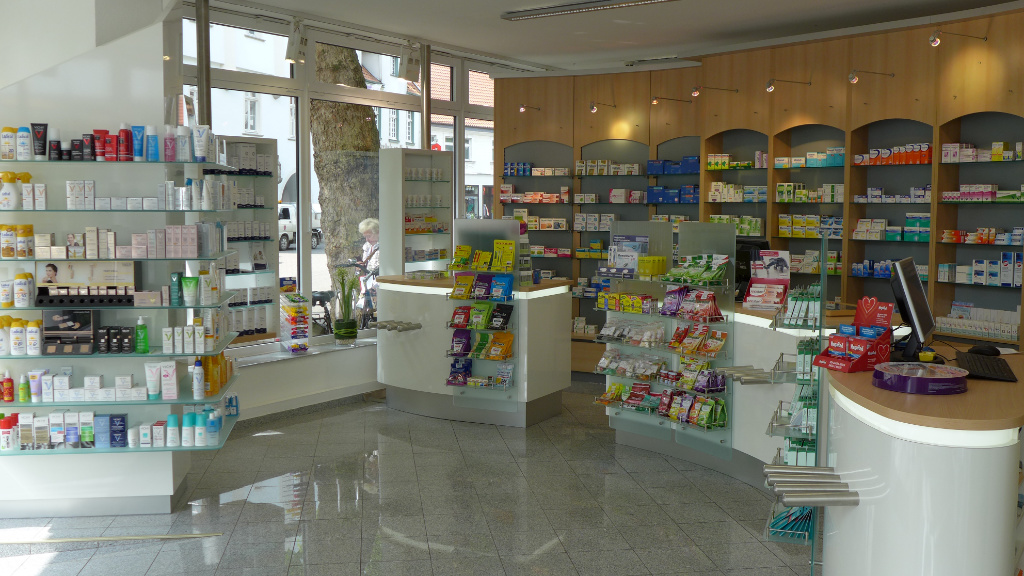 Säule und HVT nachher, Apotheke Westfalen, Pharmacy by AT Design Team