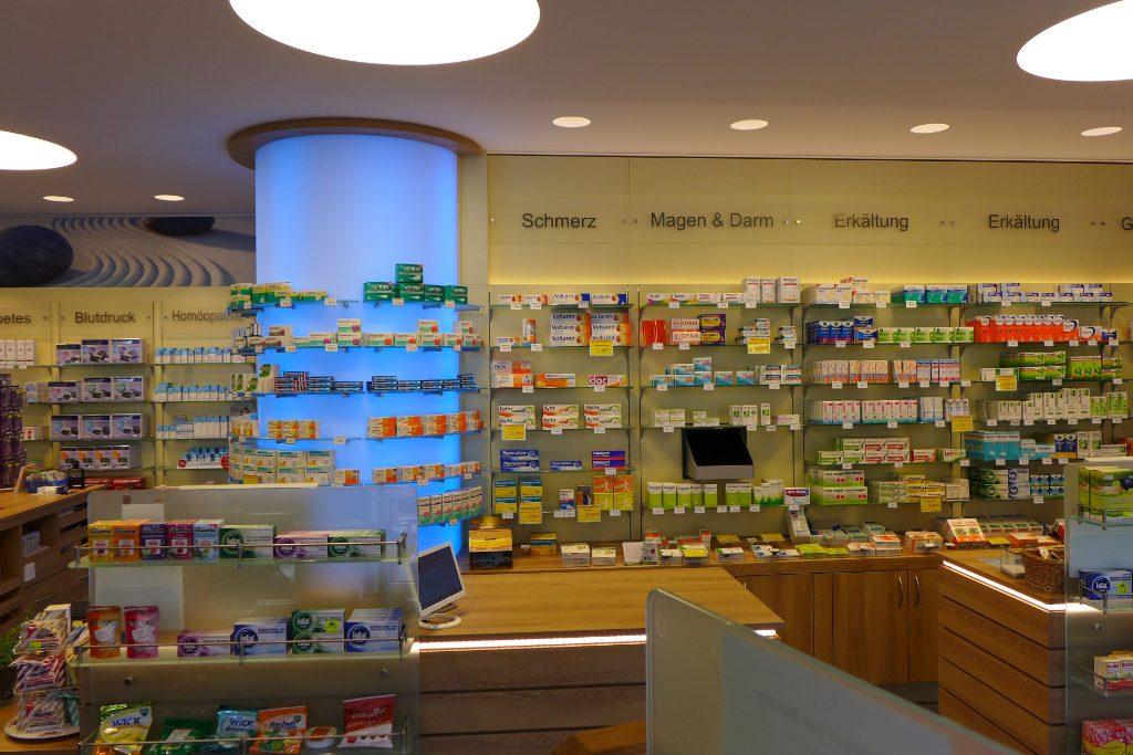 Sichtwahl mit LED Säule, Apotheke Münsterland, Pharmacy by AT Design Team