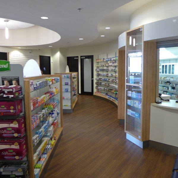 Counter und Gondeln Specialty Pharmacy, Firma AT Design Team