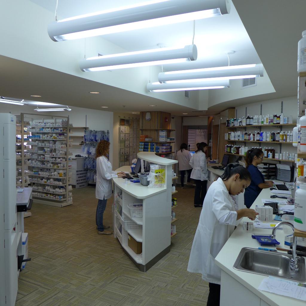 Workstation, Specialty Pharmacy , Apotheke bei AT Design Team